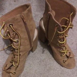 Light brown boots heel